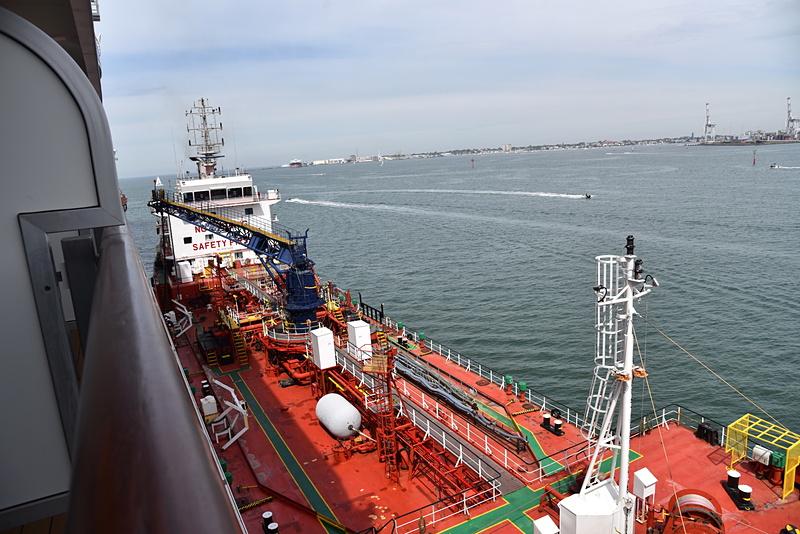 出港前の作業風景を眺めることができた