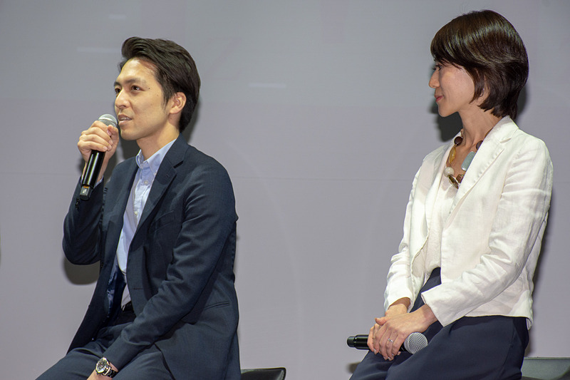 株式会社ZIPAIR Tokyo マネージャー 伊藤浩二郎氏(左)とアシスタントマネージャー 宍戸祐子氏(右)