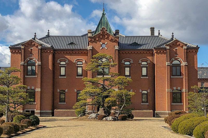 庁舎正面(画像提供:星野リゾート)