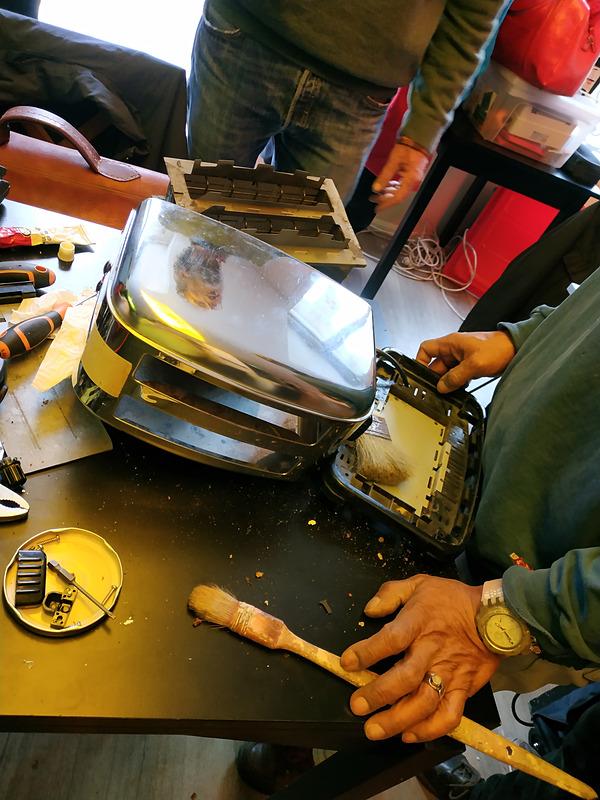 Repair Café Parisでトースターを直してもらいました