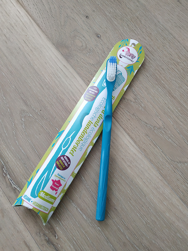 私が今回購入したのは歯ブラシ。ヘッドが古くなったら交換して使います。古くなったヘッドはお店のリサイクルボックスに持ち込むとリサイクルに回されます