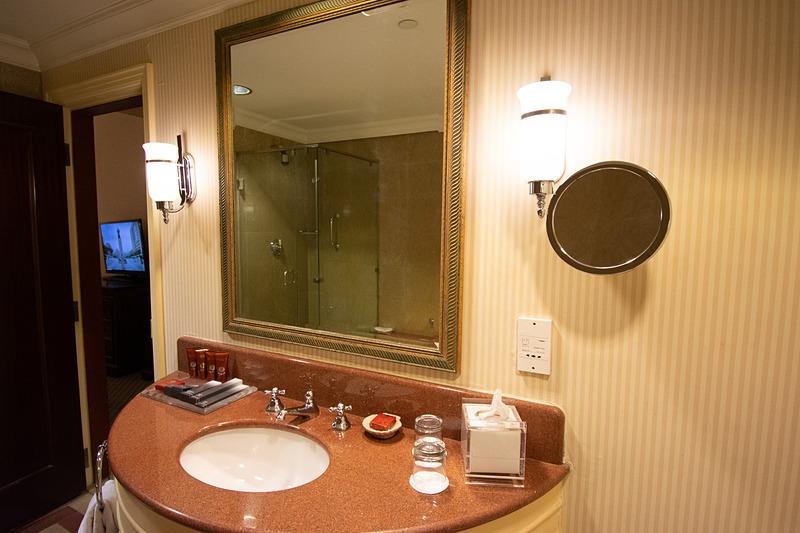 浴室にはシャンプーにコンディショナー、ボディソープなどひとしきり揃っている