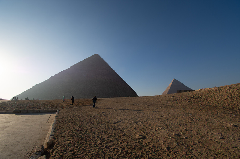 ピラミッドエリアへの入場には料金が必要(160EGP、約1040円)