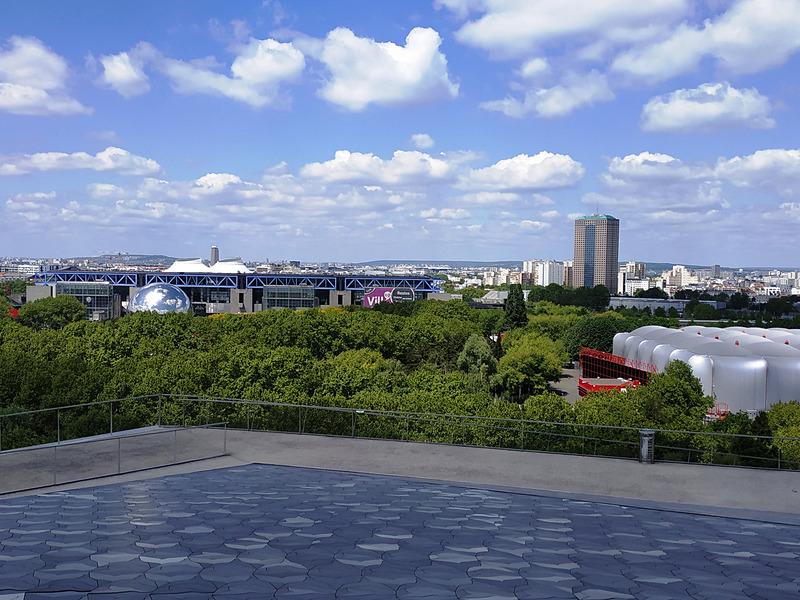 屋上と屋上からの眺め
