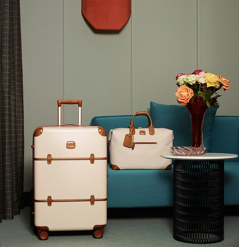 エースはイタリア「BRIC'S」の製品を7月1日から販売する。左はベラージオシリーズのスーツケース、右はフィレンツェシリーズのボストンバッグ
