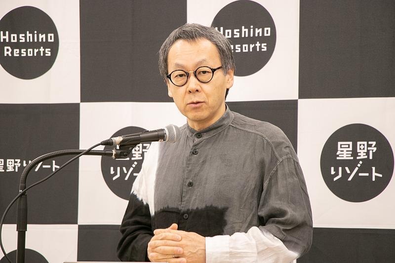 定例会見で「OMO7 大阪新今宮」について説明する星野代表