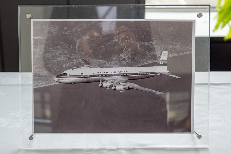 就航初便に使用していたダグラス DC-7C型機