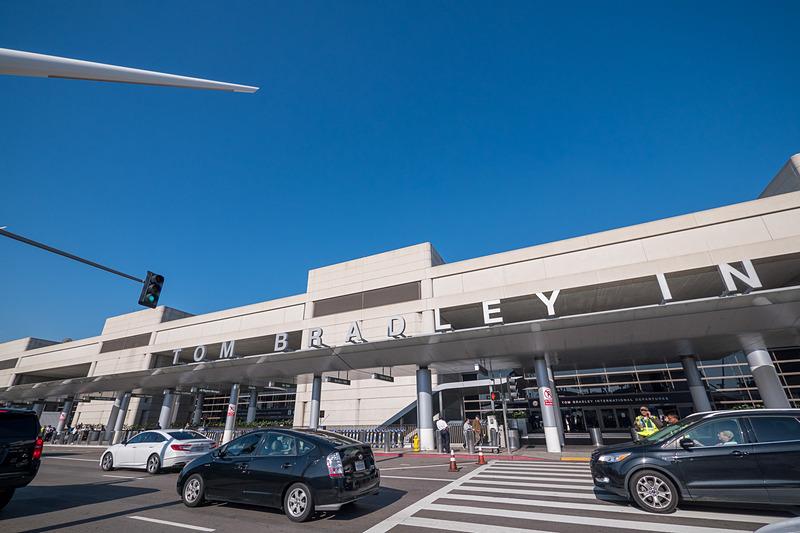 ロサンゼルス国際空港のトム・ブラッドレー国際線ターミナル