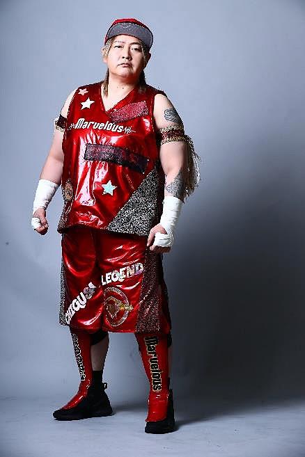 女子プロレス団体「Marvelous(マーベラス)」の長与千種さんが一日鉄道警察隊長になって、痴漢撲滅を呼びかける