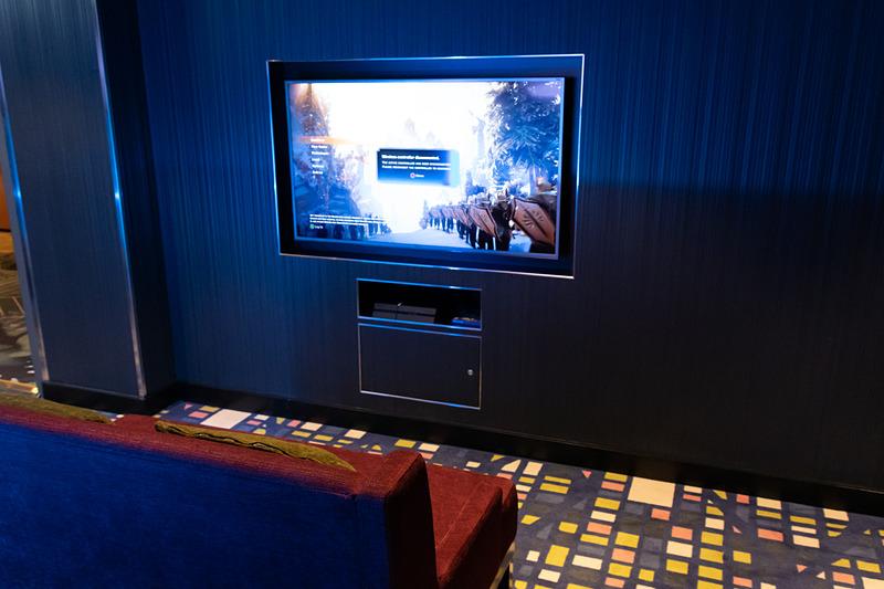 大型筐体のゲーム機やPlayStation 4が楽しめるゲームコーナー