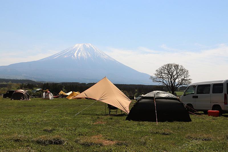 ふもとっぱらから眺める富士山
