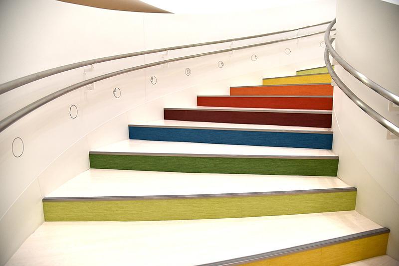 虹の階段を再び上り、メインのミュージアムへ