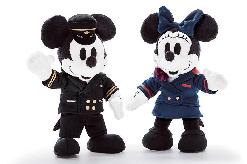 JALは「ミッキーマウス&ミニーマウス ぬいぐるみセット」の機内販売での取り扱いを開始した<br>&copy; Disney