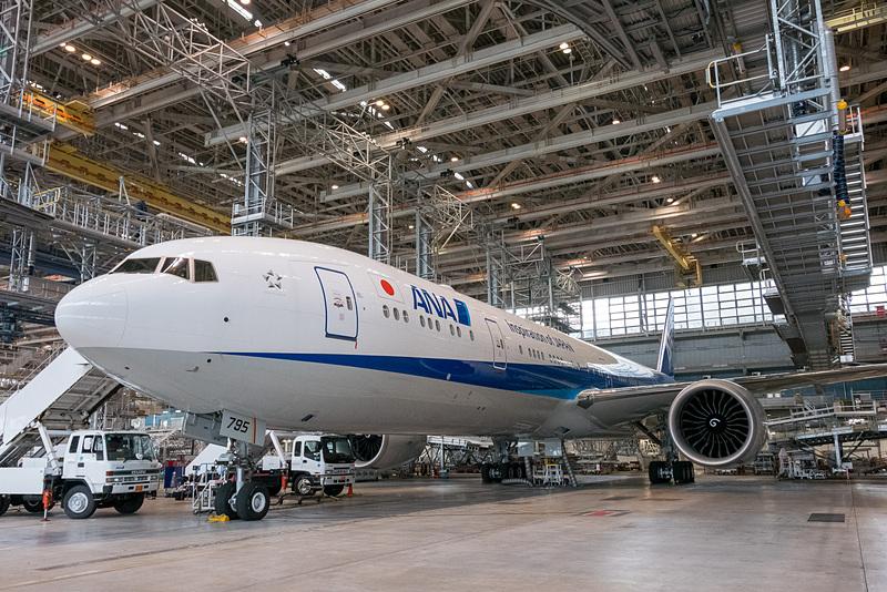 新仕様第1号機となった登録記号「JA795A」のボーイング 777-300ER型機
