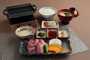 「みっかび牛 鉄板焼き膳」3200円