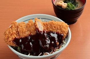 「浜松ポーク 味噌かつ丼」880円
