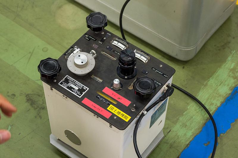 こちらは地上での相対重力測定に用いられる重力計