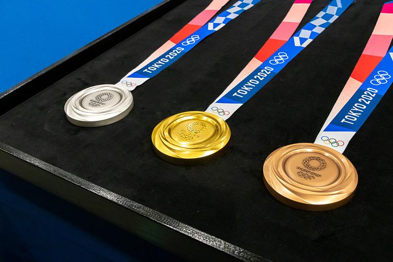 「東京2020オリンピック1年前セレモニー」を実施。メダルのデザインも発表した