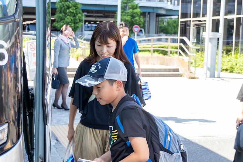 川崎市が用意した福祉バスで等々力陸上競技場まで移動する