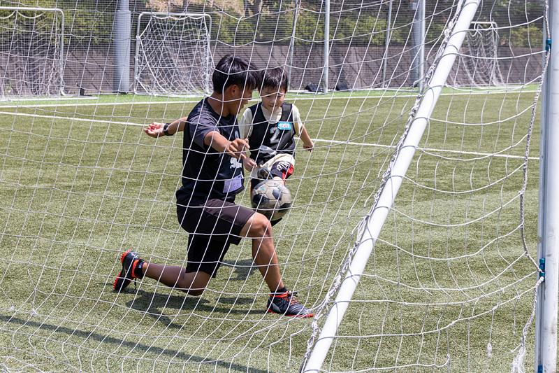 ボールにも慣れ、ミニゲームではいきいきと走り回る子供たち