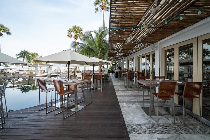 レストラン「Beach Club」