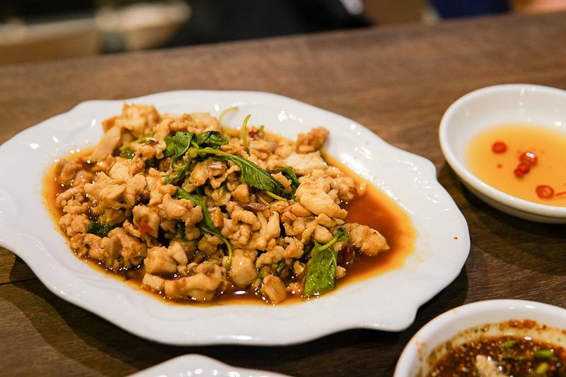 ラープムー(豚肉のハーブ炒め)