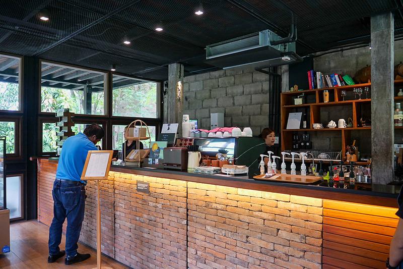 チェンマイはカフェ激戦区で、市内にはおしゃれなカフェが数多く存在している