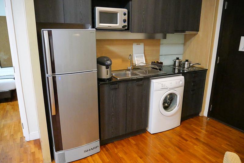 今回宿泊した部屋は、キッチンスペースがあり洗濯機も用意されていて、長期滞在に最適な部屋だった