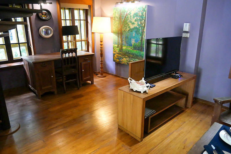 メゾネットタイプの部屋には大きなデスクも用意され、ワーケーションの拠点としても魅力的だ