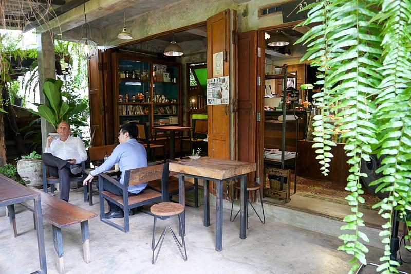 カフェもあるので、ゆっくりと午後を過ごすのにも最適