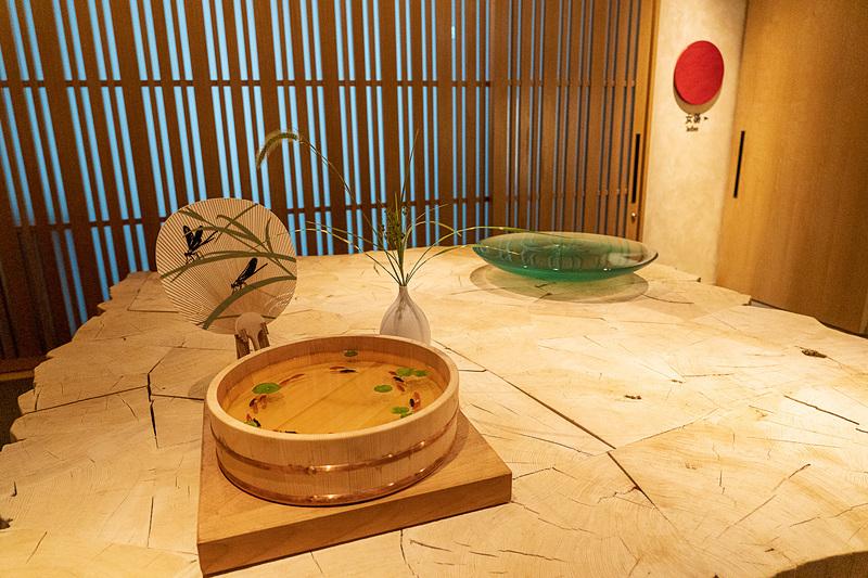 17階には宿泊者のみが利用できる天然温泉とスパ