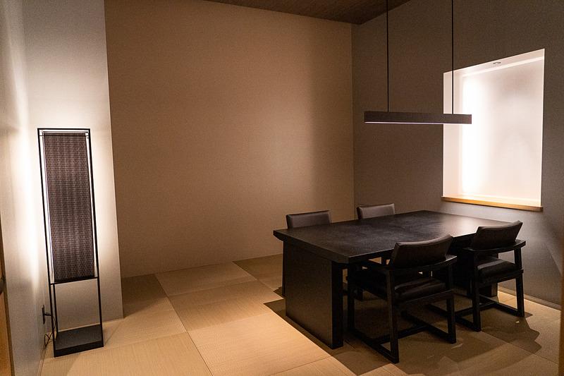 このような畳敷きの個室は全部で6室