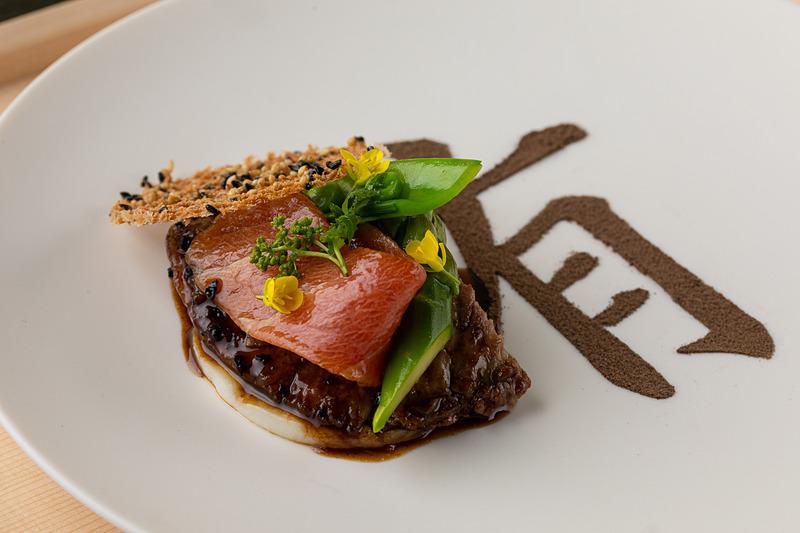 鮪のほほ肉のコンフィ(写真提供:星野リゾート)