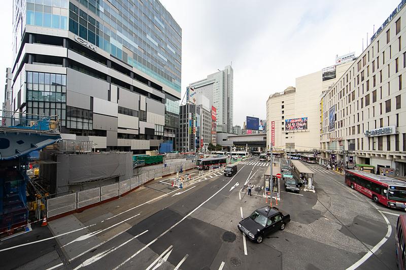 現在再開発中の渋谷駅西口。左側が渋谷フクラス。右が渋谷駅