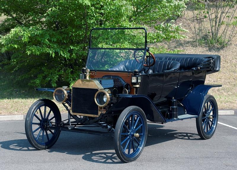 「フォード モデルT ツーリング」(1914年)