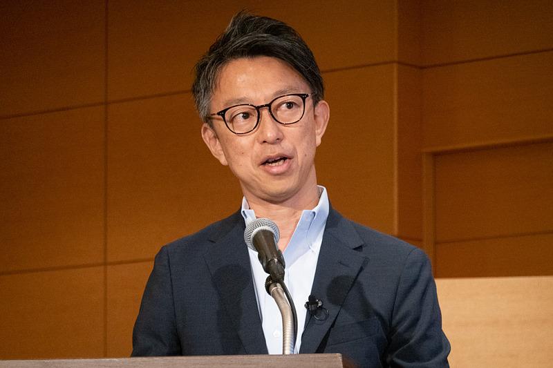 サービスについて説明する小田急電鉄株式会社 経営企画本部 経営戦略部長 久富雅史氏