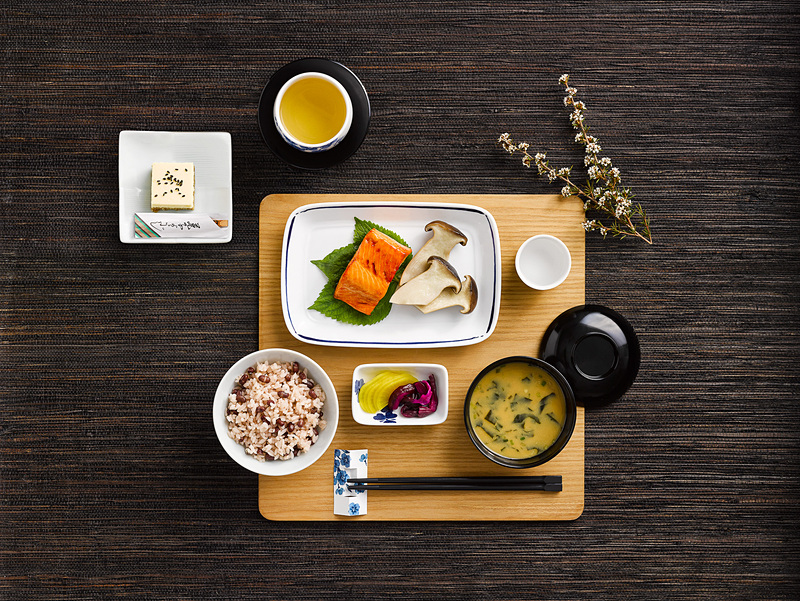 カンタス航空はビジネスクラスで提供する新しい和食メニューのレシピを公開した