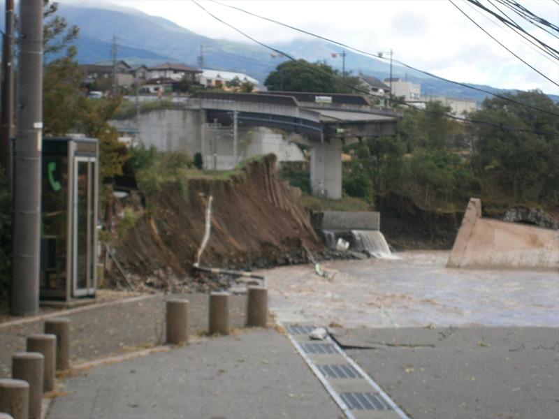 海野バイパスの橋梁流出地点・大屋~田中間の状況