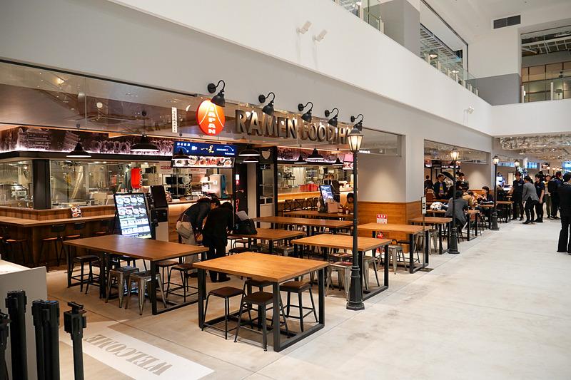 1階には日本各地のラーメンを楽しめる「JAPAN RAMEN FOOD HALL」を用意