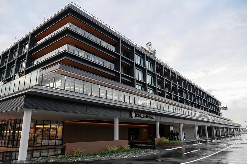 1階と2階の一部、3階から5階が滞在型リゾートホテル「インターコンチネンタル横浜Pier 8」となる