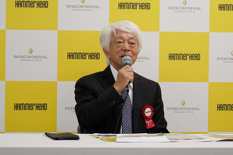 インターコンチネンタル横浜Pier 8の概要を説明する、株式会社横浜グランドインターコンチネンタルホテル 代表取締役会長 堤猶二氏