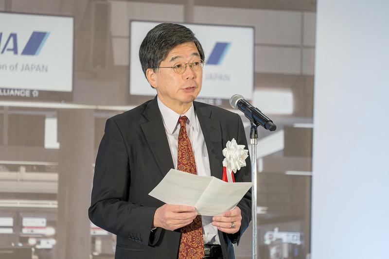 国際線担当部門の講評をする全日本空輸株式会社 取締役 執行役員 CEマネジメント室長 功刀秀記氏