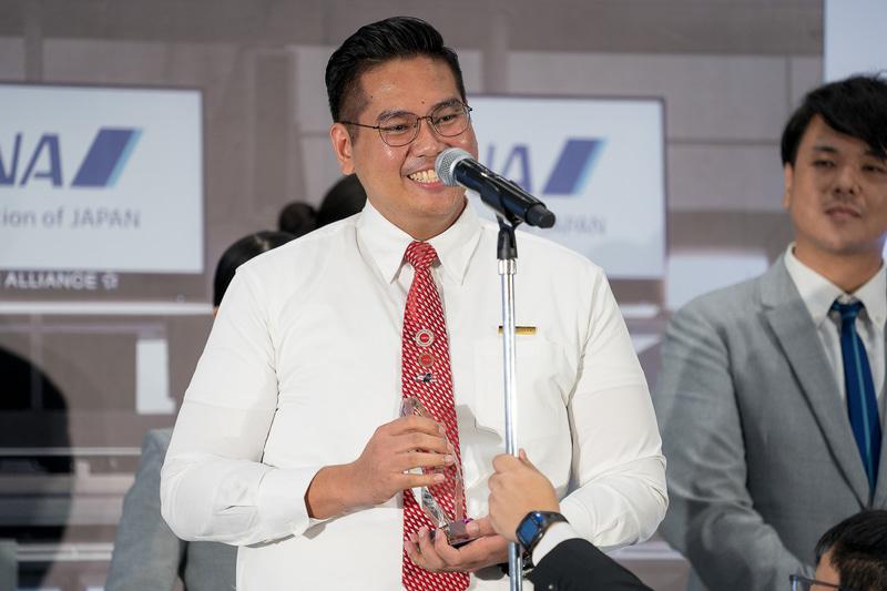 準グランプリの2人目はシンガポール空港のMUHAMMAD BIN OMAR(モハマド ビン オマール)さん