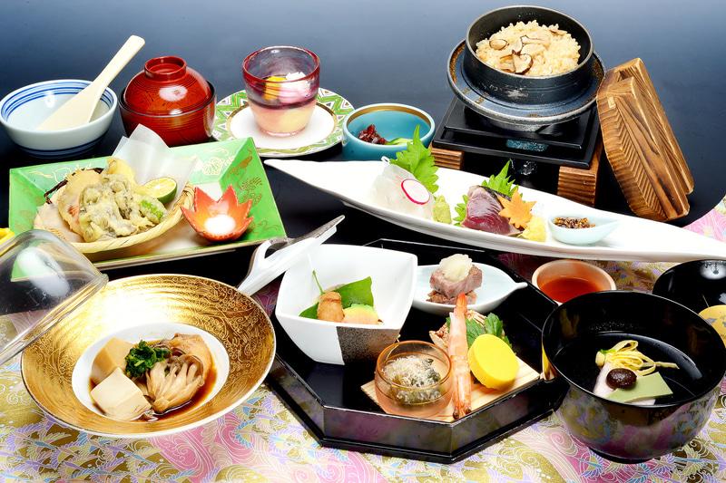 湯の花亭でいただける「天心膳」は11月末までの創作会席料理