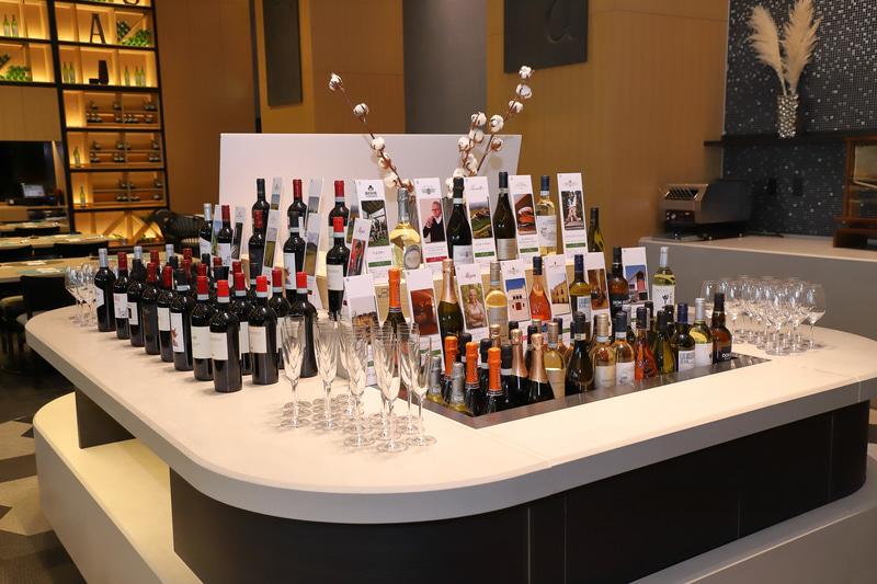 料理とともに楽しみたいワイン。ラインアップも実に豊富だ