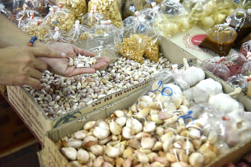 タイのにんにくカティヤムは小さいが香りは強め