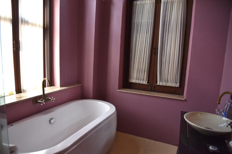 バスルームのカラーリングが秀逸