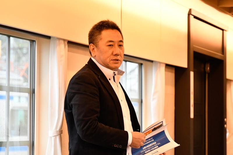 株式会社花の露 代表 冨安拓良氏