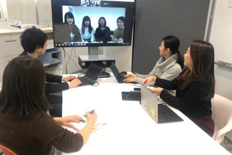 ジャルパックは東京、阪南大学は大阪と距離が遠いことから、通常の会議のほか、インターネット会議などのツールを活用して作業を進めた