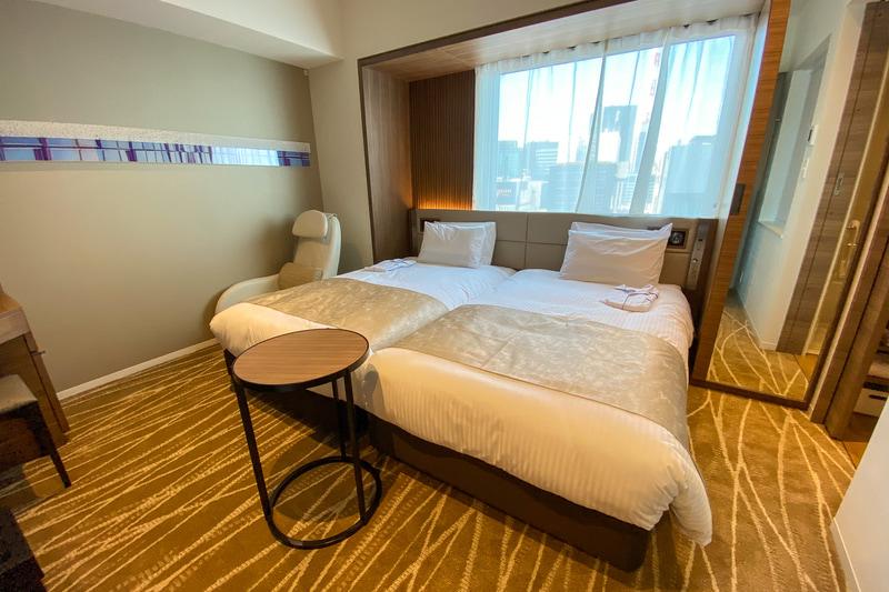 幅110cmでゆったりめのシングルベッドを2台備えるツインルーム(ベッド2台が密着したハリウッドツイン)